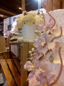 Tartas de boda decoradas en el stand de Dreams and Cakes en las 1001 Bodas